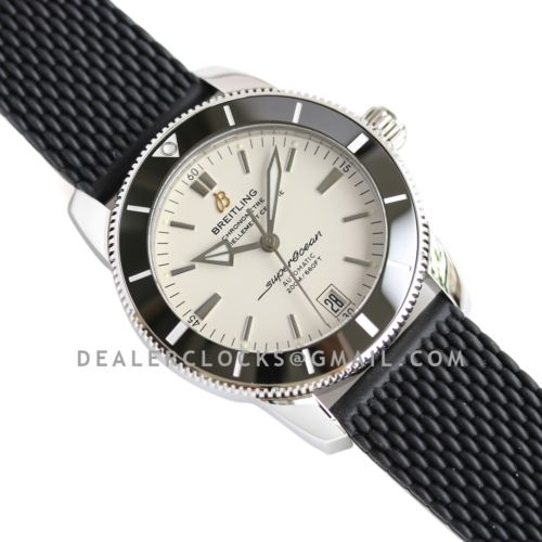 Superocean Heritage II B20 Automatic 42mm in White Dial on Black Bezel on Rubber Strap